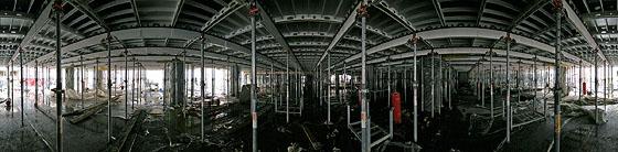 Unter einer Stütz-Konstruktion
