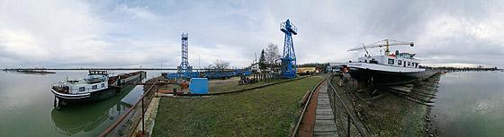 Werft bei Rheinau