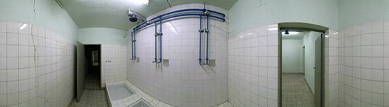 Sanitäre Einrichtungen mit Riss