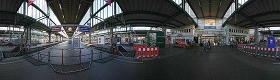 Gesperrte Bahnsteige 9 und 10